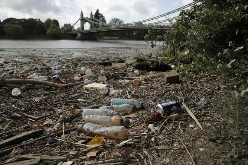 Prav v vseh 13 analiziranih rekah so našli mikroplastiko.