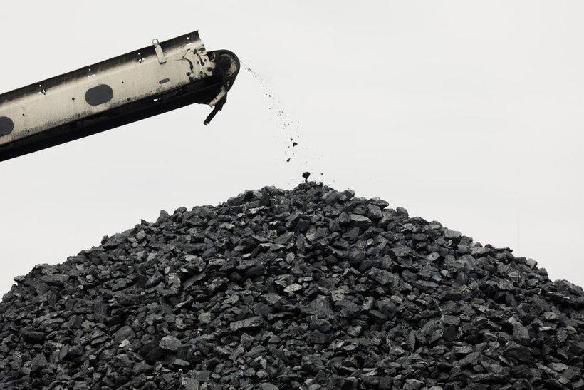 Ameriška premogovna industrija je v težavah, ker je naravni plin poceni, narašča pa tudi pridobivanje energije iz obnovljivih virov.