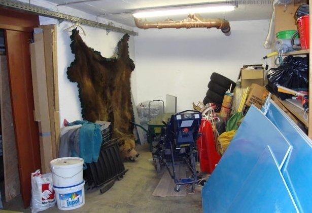 ... po možnosti fotografirajte pospravljene prostore. Je medved vštet v ceno hiše? Foto: nepremicnine.net