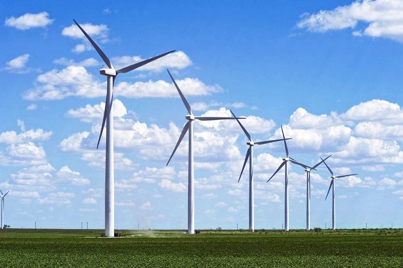 Novi podatki so osvetlili preboj obnovljivih virov energije, saj se je proizvodnja električne energije iz obnovljivih virov energije od leta 2008 podvojila. Večina obnovljive energije je energija vetra in vode, sončna energija pa ima trenutno manjšo, čeprav naraščajočo vlogo.