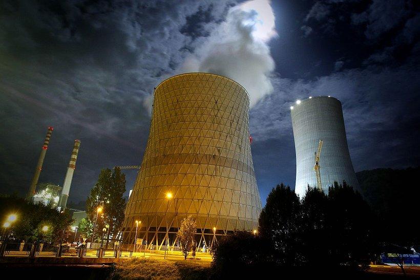 Za doseganje podnebnih ciljev bomo morali zapreti Termoelektrarno Šoštanj, a moramo pred tem odgovoriti na vprašanje, od kod bomo pridobivali energijo, je izpostavil premier.