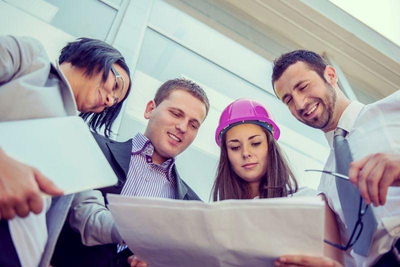 Študij je prilagojen zaposlenim in mladim, ki si želijo hitrega vstopa na trg dela.