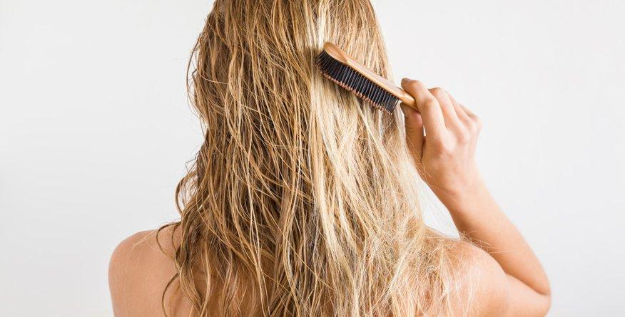 Frizerji razkrili: to je najboljša rešitev za mastne lase