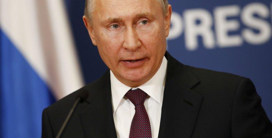 Je to Putinova hčerka ali ne?