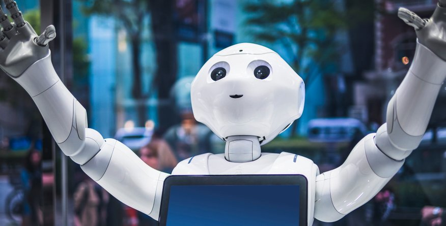 Tretjina zaposlenih bi svojega šefa zamenjala z robotom