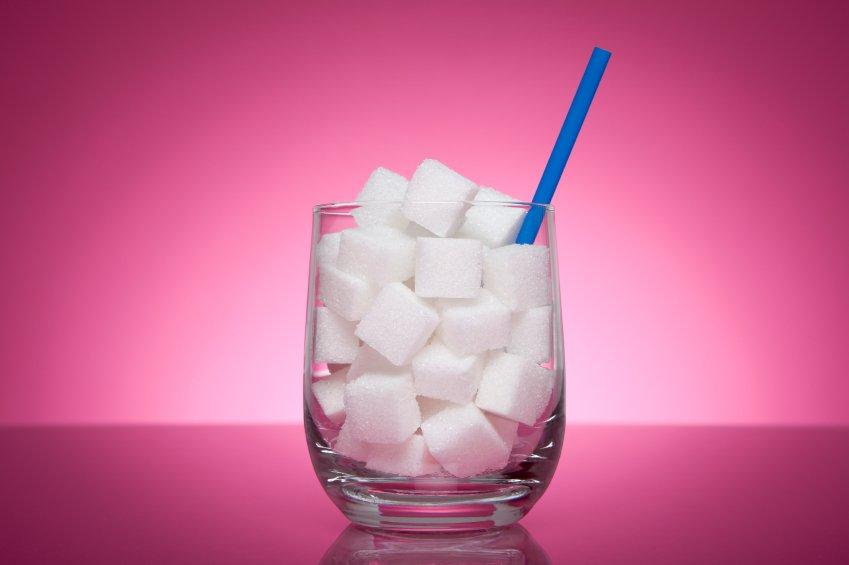 Rezultati nedavne raziskave so pokazali, da povprečen Slovenec na leto poje okoli 30 kg sladkorja.