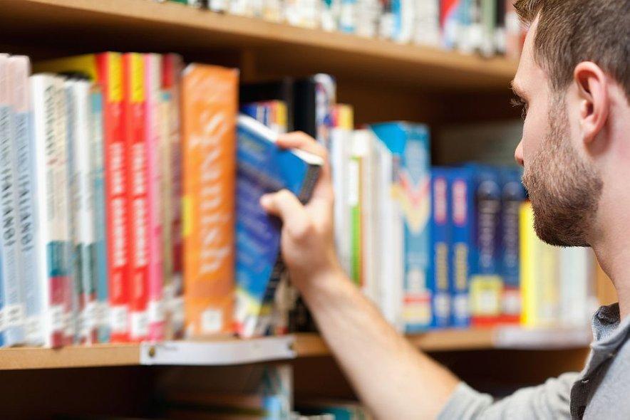 Posebnost knjigarn je obvestilo kupcem, naj se ne dotikajo razstavljenih predmetov, razen tistih, ki jih nameravajo kupiti.