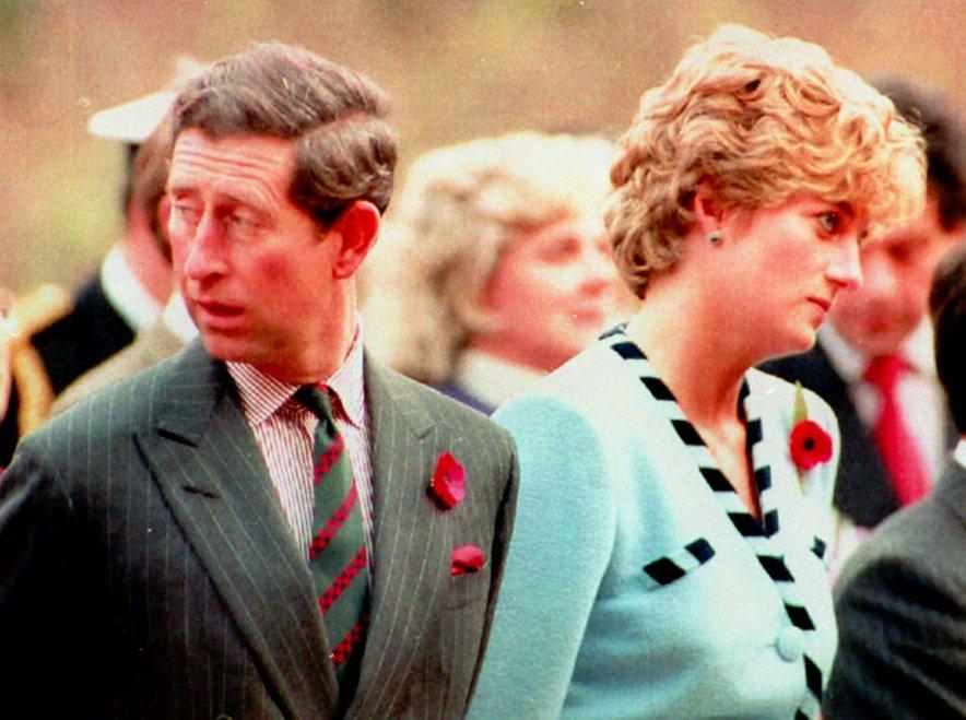 Princ Charles je iskreno priznal, da je poroko obžaloval.