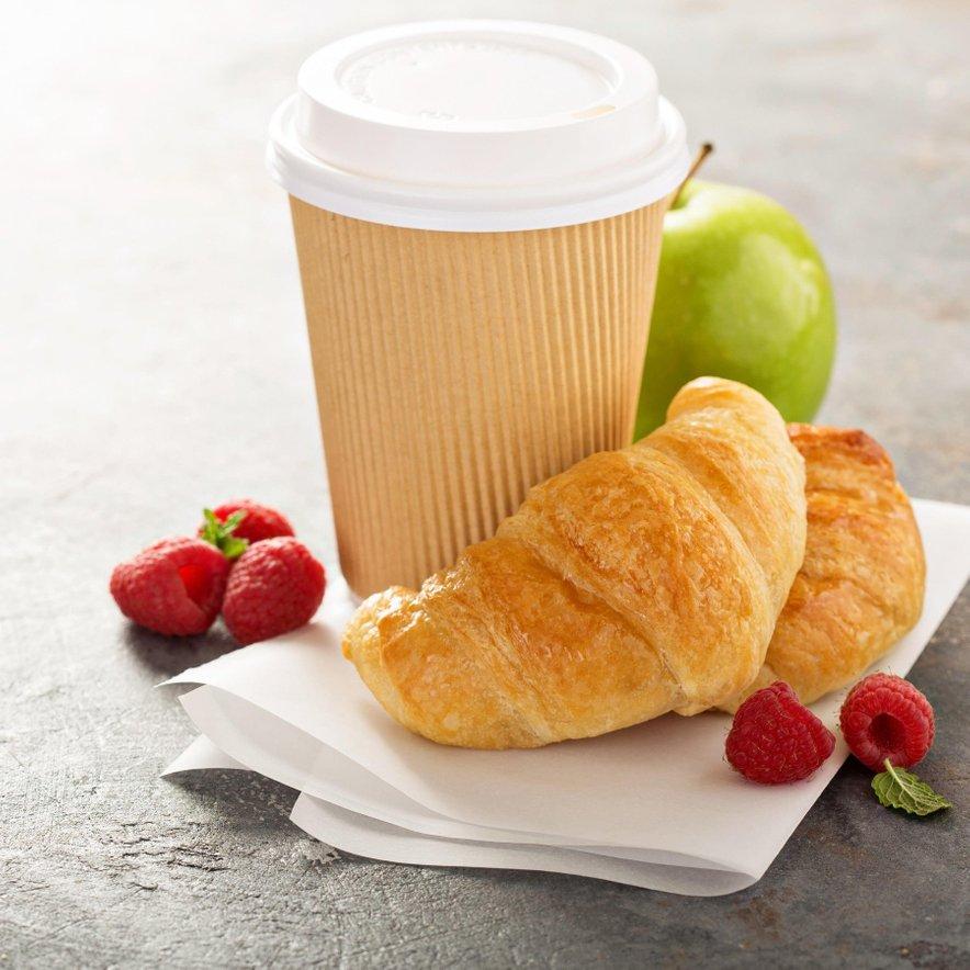 Namesto pekovskih izdelkov si zjutraj raje privoščite kos svežega sadja.