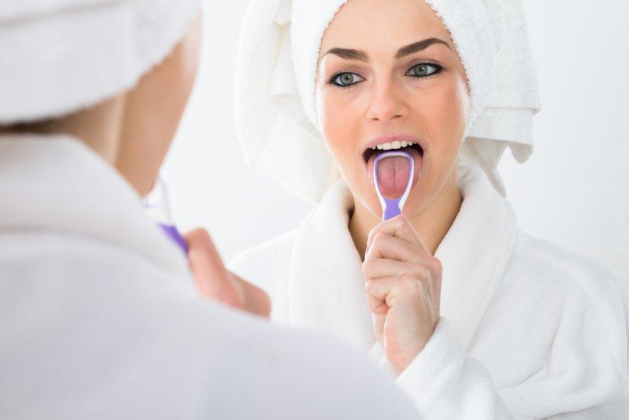 Boleč jezik kaže na pomanjkanje vitaminov B3, B6, B8, B12, bakra in železa.