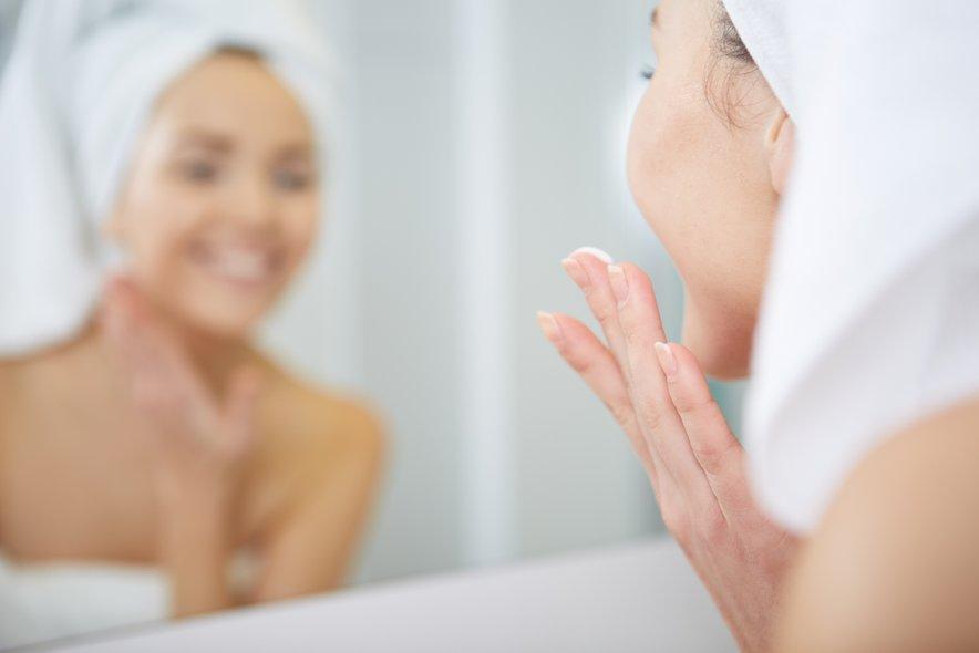 Nekateri izdelki lahko povzročijo draženje kože, izpuščaje, pekoč občutekali pordelost.