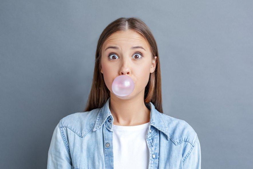 Žvečilni gumi ima veliko pozitivnih učinkov, kot sta tudi izboljšanje spomina in zmanjšanje stresa.