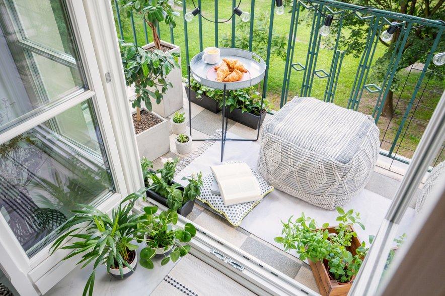 Zanimiva ideja za balkon: tabure.