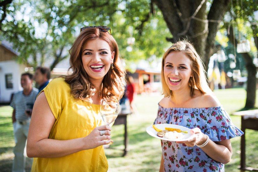 Kakšen žar za 1. maj, povabite prijateljice na piknik in jim 'zakuhajte' kaj novega.