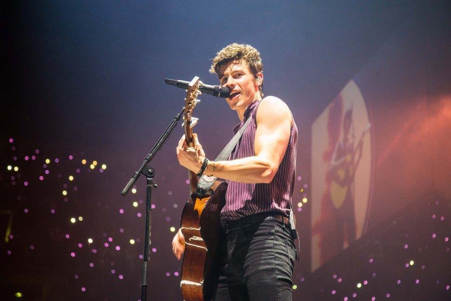 Shawn, ki se trenutno mudi v Evropi, navdušuje tako z glasom kot s stasom.