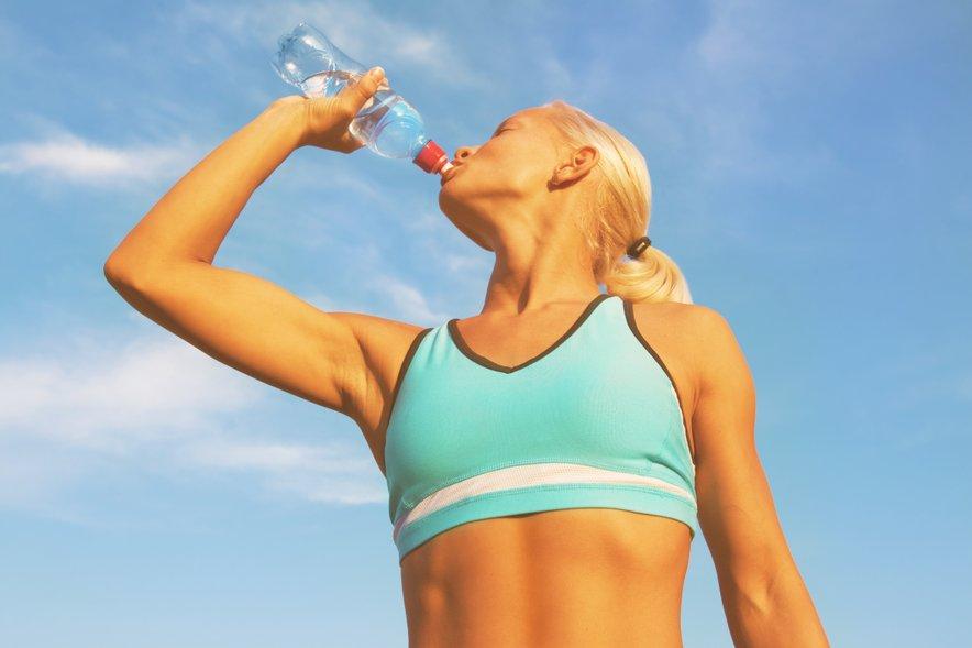 Če ste aktivne, je še toliko bolj pomembno, da poskrbite za hidracijo.