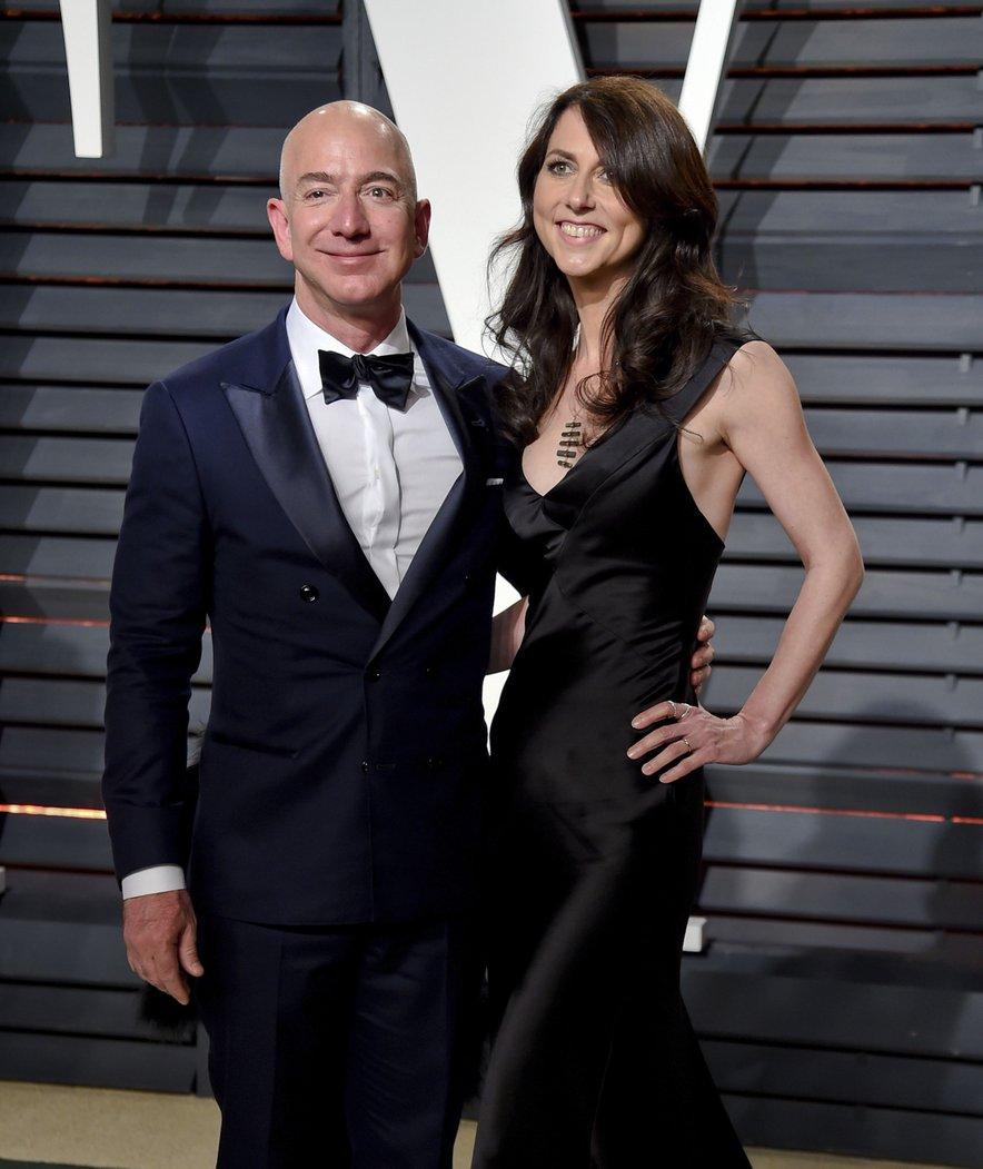 Jeff Bezos z ženo MacKenzie