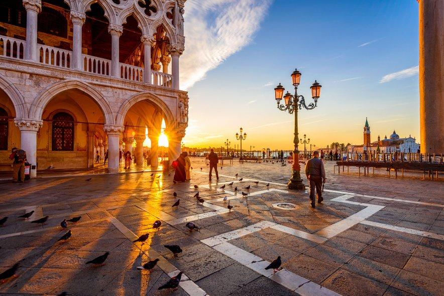 Restavracije na trgu San Marco so najdražje v Benetkah.