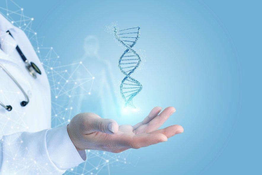 ''Poznamo številne gene, ki so povezani z nastankom raka in za katere so na osnovi mutacij/sprememb razvili tarčna zdravila, ki delujejo na te spremembe in uničijo rakavo celico, tu je odločitev o zdravljenju ustrezno tarčno zdravilo.''
