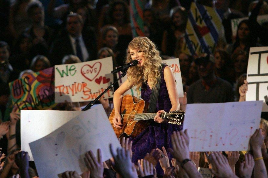 Drugi album je učvrstil njen zvezdniški status, v zasebnem življenju pa ni šlo vse po načrtih.