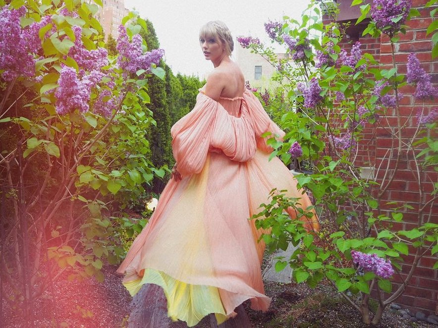 Taylor Swift bo v petek razkrila dolgo pričakovano skrivnost.