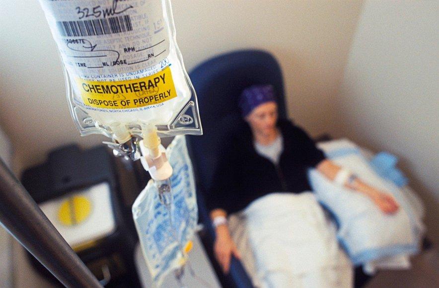 Skoraj polovico rakov, denimo kolorektalnega raka ali raka trebušne slinavke, danes diagnosticiramo prepozno, da bi jih lahko zdravili s standardnimi načini zdravljenja, kot sta kemoterapija in radioterapija.