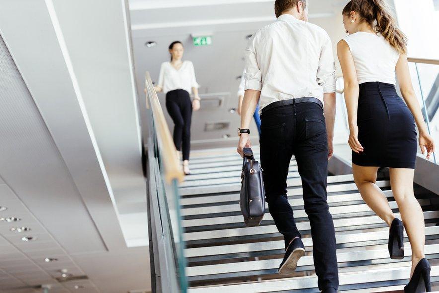 Stopnice - brezplačna vadba mimogrede.