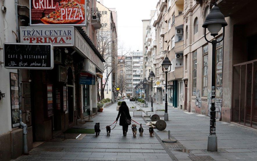 V Srbiji pričakujejo nove ukrepe za zajezitev covida-19.