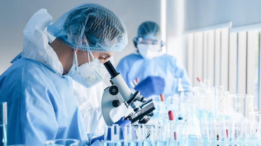 Raziskovalci so uspeli razviti in klinično preizkusiti napredno celično zdravilo nove generacije za zdravljenje raka prostate (slika je simbolična).