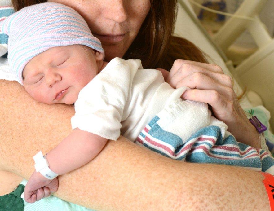 Novorojenček
