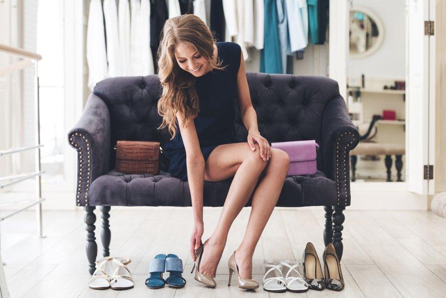 Nošenje istih čevljev vsak dan ni dobro ne za vaše zdravje na za vaše čevlje.