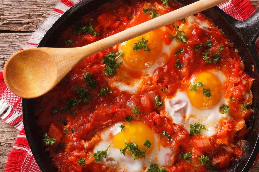 Pečena jajca v paradižnikovi omaki