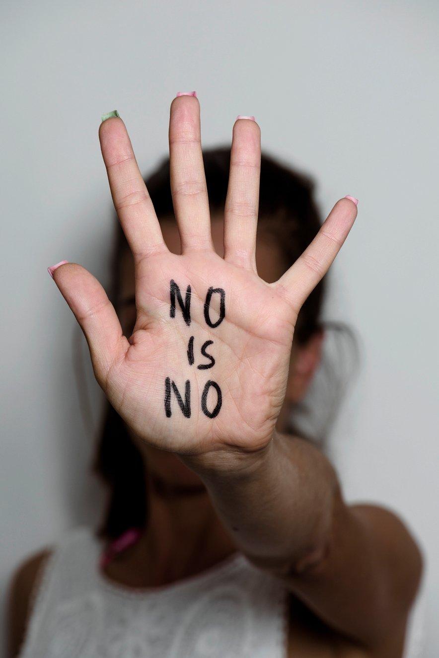 Nikoli te ne sme biti sram nečesa kar dela nekdo drug in nikoli ni nepravi trenutek, da rečeš NE.