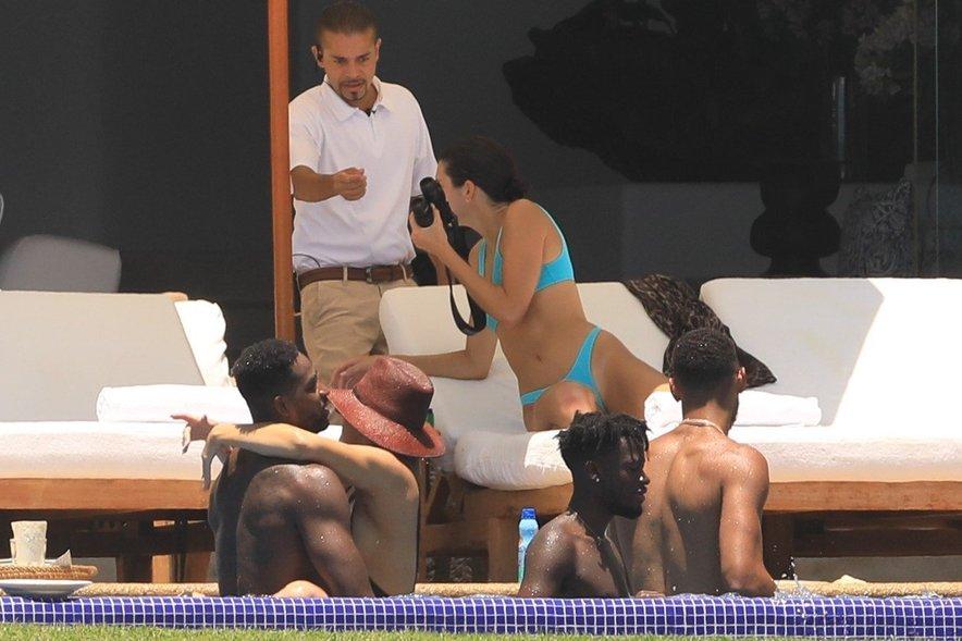 Khloe in Kendall na počitnicah