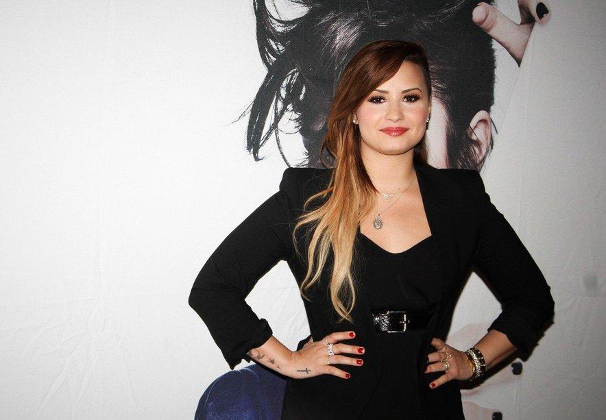 Demi Lovato se bo spet posvetila zdravljenju.