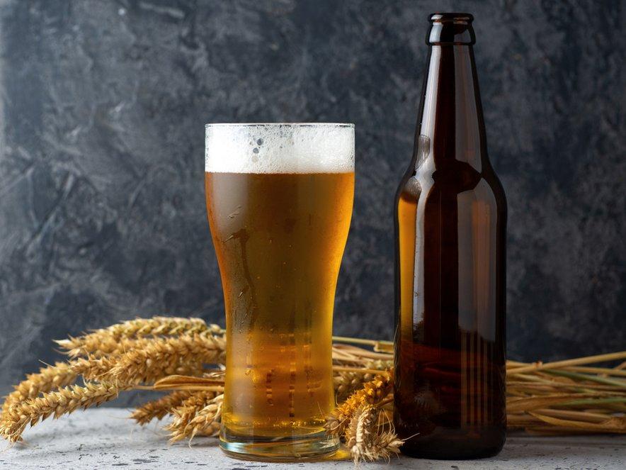 Če bi bila steklenica prozorna, bi svetloba uničila okus piva.