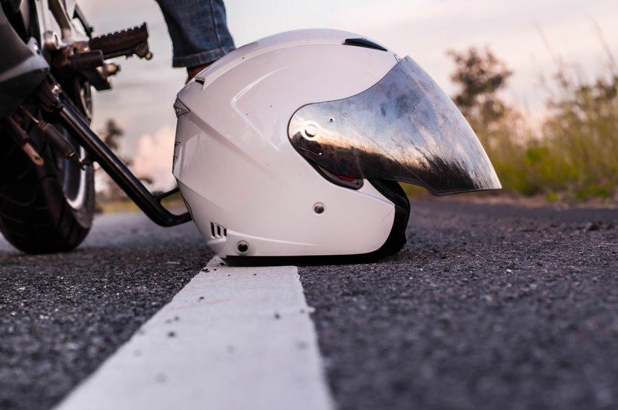 Največ prometnih nesreč med motoristi povzročijo vozniki brez vozniškega dovoljena.ja.