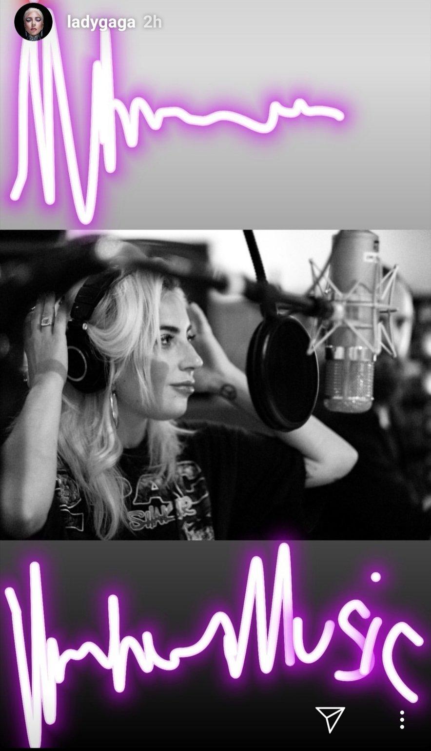 Gaga se je očitno vrnila v studio.