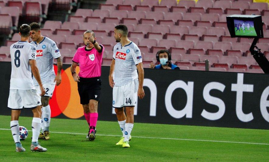 Nogometaši Napolija so ostali