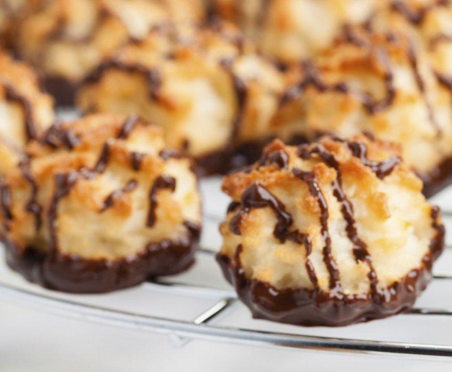 Kokosovi makroni s čokolado