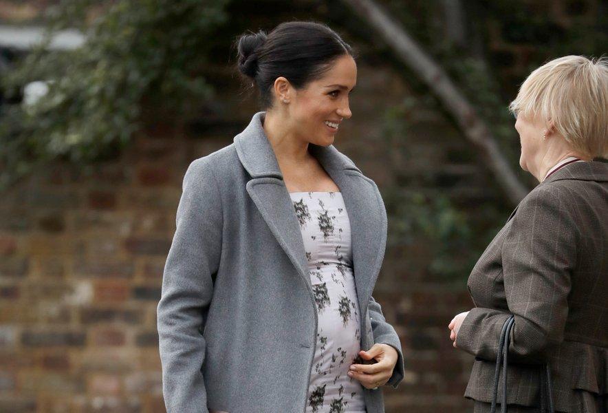 Zaenkrat se še ne ve, kdaj bo Meghan rodila, številni pa verjamejo, da se bo to zgodilo v začetku aprila.