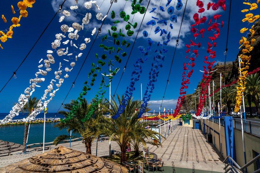 V mestu Funchal na Madeiri je vedno živahno.