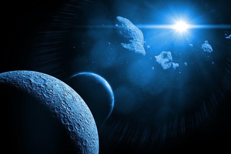 Prihodnje leto bo na nočnem nebu pestro nočno dogajanje, manjkalo ne bo niti vsakoletnih meteorskih rojev.