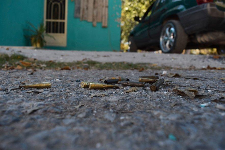 V strelskem spopadu je umrlo 20 ljudi.