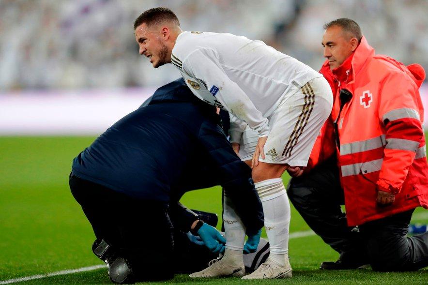 Eno od poškodb je Hazard (na fotografiji) utrpel na tekmi skupinskega dela Lige prvakov s Paris Saint-Germainom.