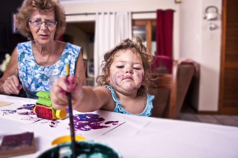Babicam in dedkom ni tako enostavno nuditi celodnevnega varstva vnukom, še posebej če je to nekajkrat na teden.