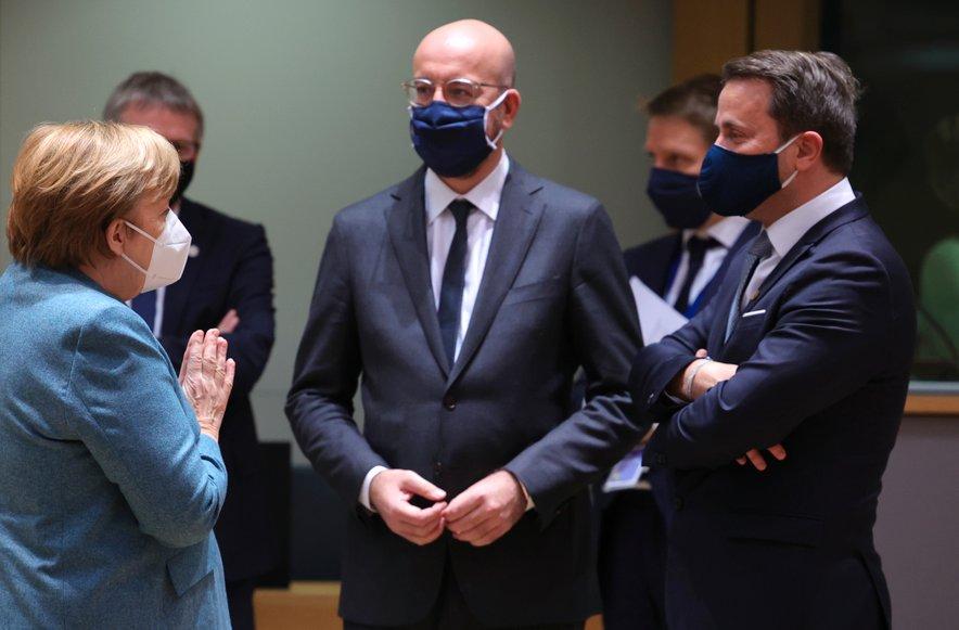 Merklova in Macron sta se danes odzvala na dogajanje v ZDA.