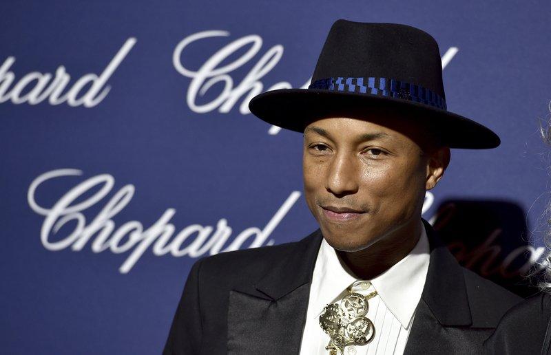Pharrell Williams sodeluje z Rihanno pri njenem novem studijskem albumu.