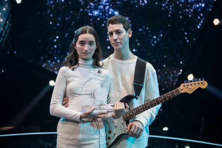 Zala in Gašper tudi na Evroviziji pred stomilijonskim občinstvom ostajata zvesta sebi in nastopu, ki sta ga prikazala v februarju.