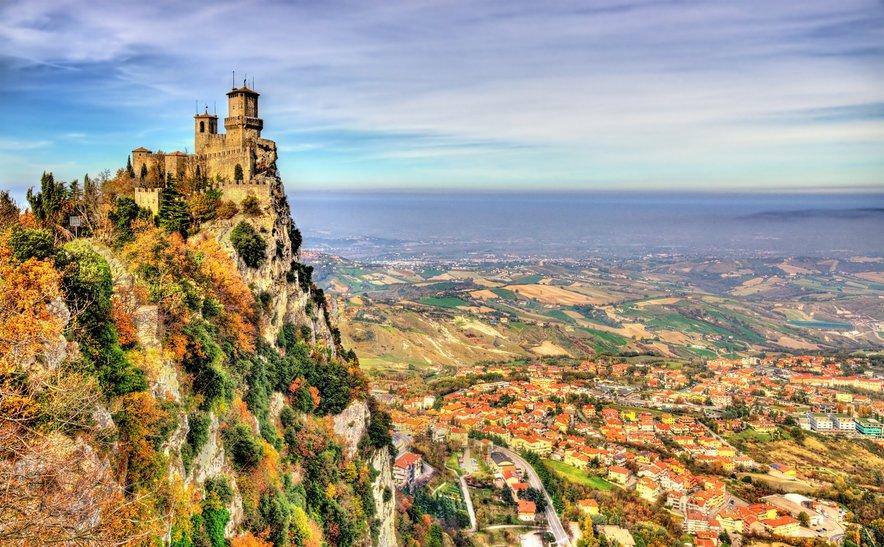 Stolp v San Marinu je ena od top lokacij, ki je ne smete izpustiti.